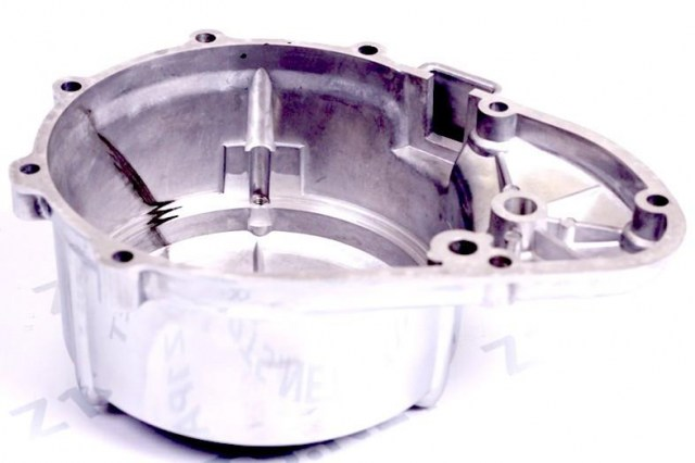 Z1_900_KZ900_left_side_engine_case_alternator_cover_back
